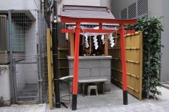 Japan Architecture - Houdou Inari Shrine in Ginza