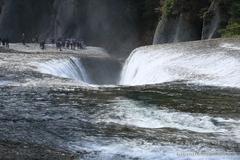 I dropped in at Fukiware-no-taki Waterfall