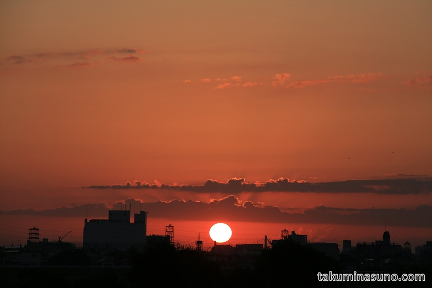 Red Sunrise from Tama River