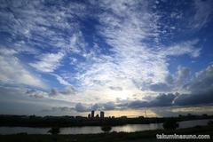 多摩川の空を見て思わず立ち止まり