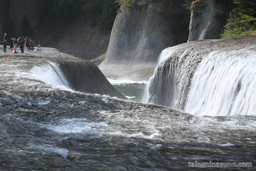 Telephoto of Fukiware-no-taki Waterfall