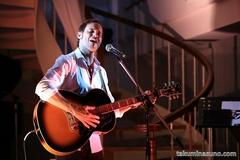 美しいフランス語の歌詞と温かい人柄が魅力!カナダ人歌手、クリスチャン・スブロッカが初の来日コンサート!