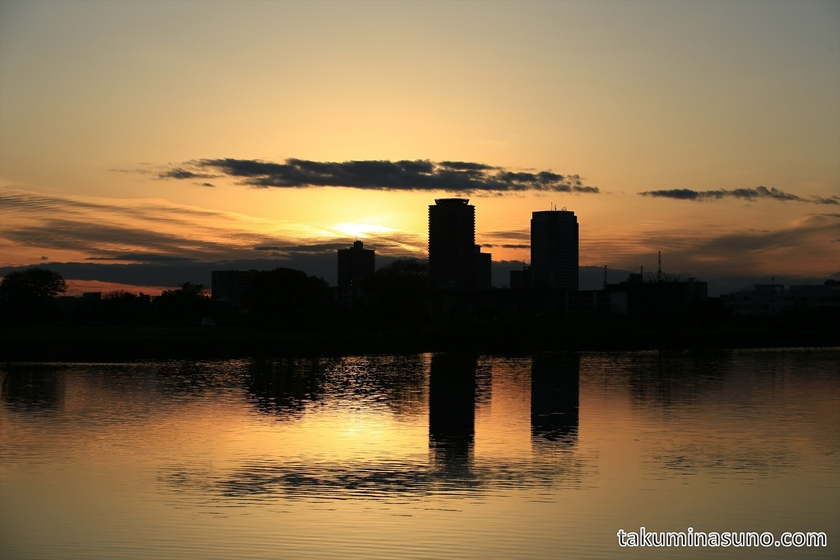 Sunset at Tama River