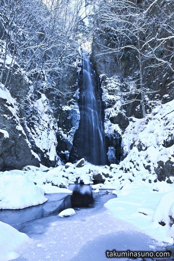 Snowy Hyakuhiro-no-taki Waterfall
