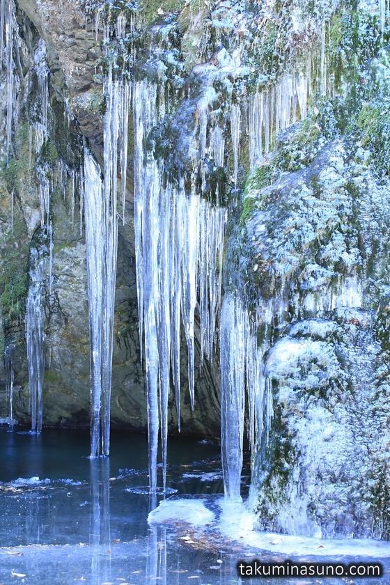 Icicles at Nejire-no-taki Waterfall