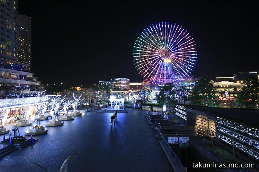 Rainbow Ferris Wheel of Yokohama from Queens Square