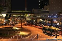 川崎駅のいつもの通りで立ち止まって、カメラを構えて気付いたのは・・・