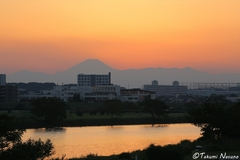 Long Time No See This Nice Sunset and Nice Mt. Fuji! Aiming for a High Picture Quality with Aggressive F-number and Slow Shatter Speed